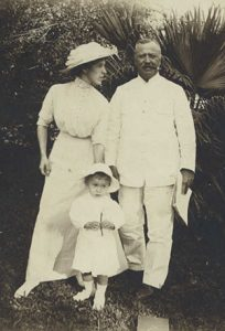 """John Davis Murray with his wife Ellen M. """"Dolly"""" Murray and son J. Grant Murray in 1911."""