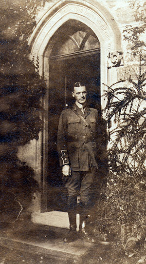 Dr Allan in uniform 1917
